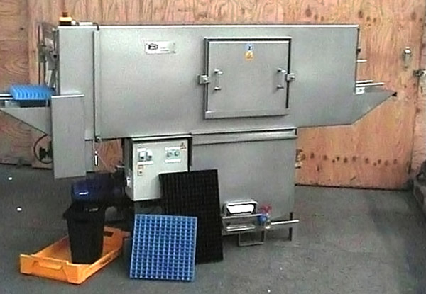 Crate washing machines for seedbeds